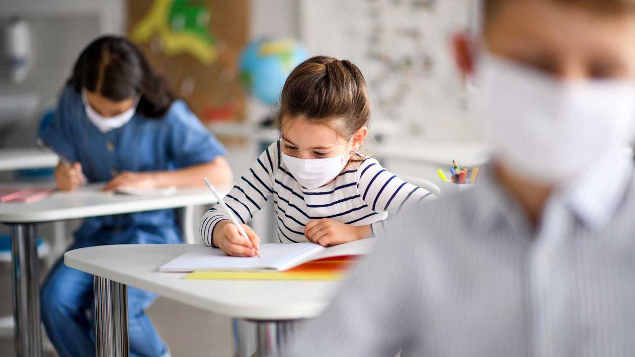 Dichiarati illegittimi i Dpcm emanati dal governo Conte sull'obbligo delle mascherine a scuola
